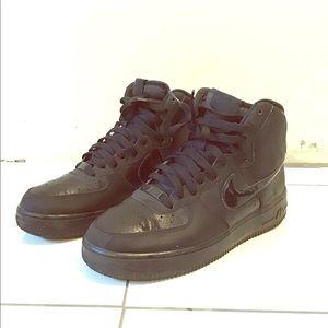 Nike Air Force 1 Black/Black Suede Hi-top Sneakers